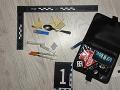FOTO Obchodovanie s drogami sa im nevyplatilo: Polícia obvinila neplnoleté dievča a mladíka
