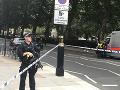 MIMORIADNE Teroristický útok v Londýne: Muž vpálil autom do zábran pred parlamentom, dvaja zranení