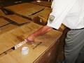 FOTO Finančná správa a polícia zlikvidovali nelegálnu výrobňu cigariet v Ružomberku