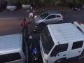 VIDEO Mladíci chceli ukradnúť motorku: Hrdinský vodič na forde ich parádne zastavil
