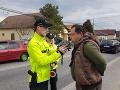 Alkohol mu dodal odvahu: Muž šoféroval bez povolenia, policajtom chcel ujsť