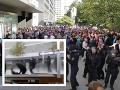 Výtržnosti v Nemecku nemajú konca: Tisícka demonštrantov protestovala proti nacistom