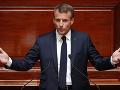 Európa sa musí postarať o svoju bezpečnosť sama, myslí si Emmanuel Macron