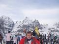 Vlado Voštinár relaxuje dobrým spánkom, nepohrdne wellnessom a zo športov mu je najbližšie lyžovanie.