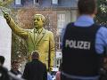 FOTO Na festivale vo Wiesbadene vztýčili provokatívnu sochu Erdogana: Obyvatelia sú podráždení