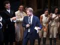 Princ Harry si chvíle na pódiu zjavne užival.