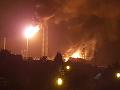 VIDEO Výbuch v nemeckej rafinérií: Evakuácia stoviek ľudí, hlásia zranených