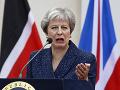 Konzervatívni poslanci nesúhlasia s brexitovými plánmi Mayovej: Diskutovali o jej zosadení