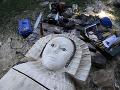 Obrovská tragédia v Česku: Na štvorročného chlapca spadla socha
