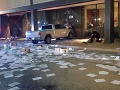 Televízia Fox zažila šok uprostred vysielania: FOTO Do budovy vrazila dodávka