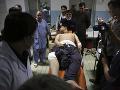 Krvavý bombový útok v Kábule má najmenej 50 obetí: Taliban zaň odmieta zodpovednosť