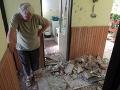 Hrozivé FOTO z dediny pri Košiciach: Blesk zasiahol dom počas modlitby, Terézia je zúfalá