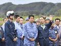 FOTO Japonský premiér navštívil oblasť postihnutú zemetrasením: Počet obetí stúpol na 42