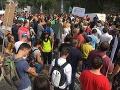 FOTO Na protestnom zhromaždení SAV skandovali, aby ministerka školstva odstúpila: Reakcia Lubyovej