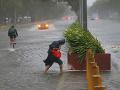 Na pobreží Filipín zasiahla príroda, ako ju nepoznáme: Oslepujúci dážď a silný vietor
