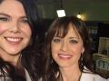 Lauren Graham a Alexis Bledel v roku 2015