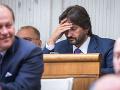 Kaliňák pod ďalšou paľbou kritiky: Výboru musí vysvetliť dar od kolegu z emirátov