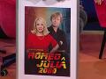 Zdena Studenková a Maroš Kramár na plagáte k filmu, ktorý by sa na svetlo sveta mal dostať v roku 2080. Ide samozrejme len o vtipný darček.