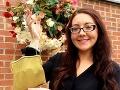 Žena takmer vyhodila starú kabelku na FOTO: Bola by to najväčšia chyba v jej živote