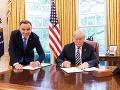 Poľský prezident čelí kritike pre fotografiu s Trumpom