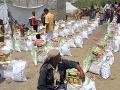Alarmujúca situácia v Jemene: Ľudia od hladu jedia listy, OSN a darcovia im posielajú potraviny