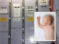 Zvrátený prípad: FOTO Žena porodila mŕtve dieťa, roky ho ukrývala v skrinke na vlakovej stanici