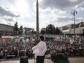 FOTO Veľký protivládny protest v Taliansku: Ulicami Ríma pochodovali desaťtisíce ľudí