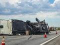 Nehoda slovenského vodiča v Rakúsku: Podnapitý havaroval s kamiónom na diaľnici