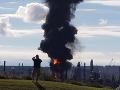 VIDEO Mohutná explózia najväčšej ropnej rafinérie v Kanade: Niekoľko zranených