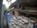 Počet obetí zemetrasenia na Haiti vzrástol: Najmenej 17 mŕtvych a 333 zranených, zničené domy