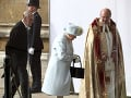 Kráľovná Alžbeta II. a vojvoda Philip vydávali vnučku.