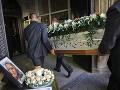 FOTO Zničení rodičia a stovky smútiacich: Posledná rozlúčka so zavraždenou novinárkou