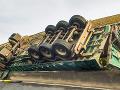 Tragédia v Turecku: Kamión s migrantmi zišiel z cesty, zomrelo najmenej 22 ľudí