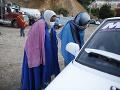146 migrantov bolo natlačených v jednom kamióne: V otrasných podmienkach im išlo o život