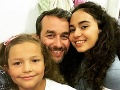 Vlado Kobielsky so svojimi seriálovými dcérami.