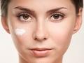 Kozmetika na FOTO vám namiesto krásy spôsobí alergie a poškodenie nosohltana