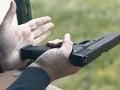 Polícia v Prahe opäť v pozore: Anonym sa vyhráža streľbou na škole