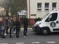 Kotlebovci narazili! VIDEO V Tisovci chceli protestovať proti Rómom, domáci im to poriadne natreli