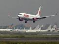 Nové zistenia ohľadom pádu indonézskeho lietadla: Problémy malo už dávno pred osudným letom