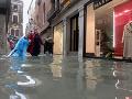 Taliansko sužujú ničivé záplavy: VIDEO Reštaurácia našla spôsob, ako vybabrať s počasím