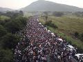 Obrovská karavána migrantov prichádza do USA z Južnej Ameriky.