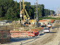 Aktivisti bijú na poplach: Pre výstavbu D4 a R7 sa bez povolení ťažia tony štrku