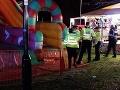 Zrútená nafukovacia šmykľavka v lunaparku vo Wokingu