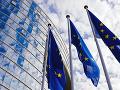 Odborník na EÚ tvrdí: Na Slovensku je aktuálne politicky atraktívne kopnúť si do únie