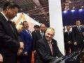 Zeman v Číne sadol za klavír, potom to prišlo! Prezident je opäť na smiech celému národu