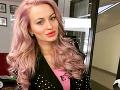 Eve Zelníkovej nová šialená farba vlasov pristane.