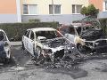 Škoda na zapálených autách