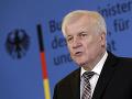 Prekvapivý krok ministra vnútra Seehofera: Odchádza z čela Kresťanskosociálnej únie