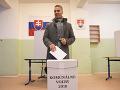 Na snímke kandidát na primátora mesta Košice Martin Petruško vo volebnej miestnosti v Košiciach.