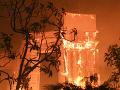 VIDEO Kaliforniu decimujú ničivé požiare: Núdzový stav, strach svetových celebrít